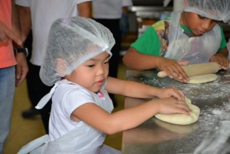 Summer Surprise -17 - Kids Baking Day